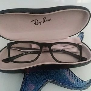 🌼Ray Ban Clear Lens & Case🌼